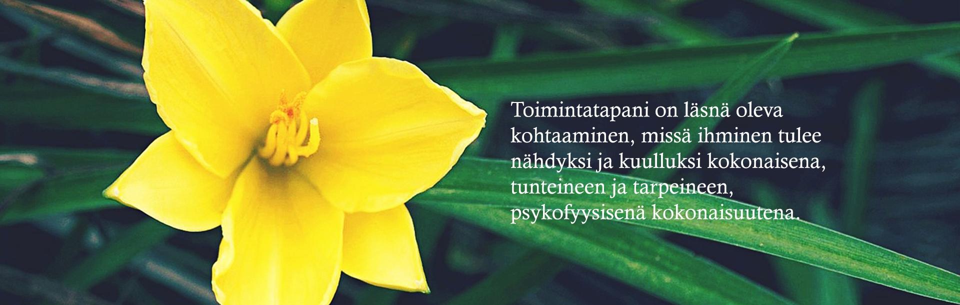 Psykoterapeutti Leena Tågille on tärkeää läsnäoleva kohtaaminen